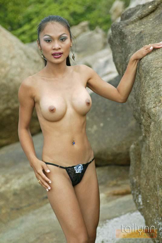 nude Mature fashion models